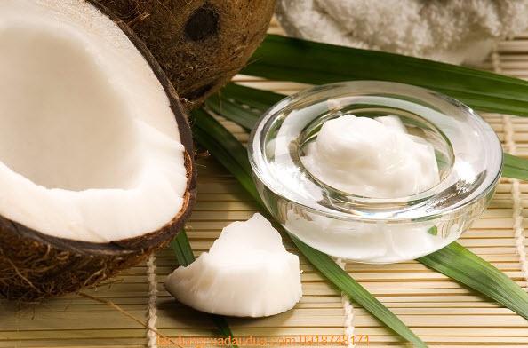 Cách trị mụn cám bằng dầu dừa cực hiệu quả tại nhà