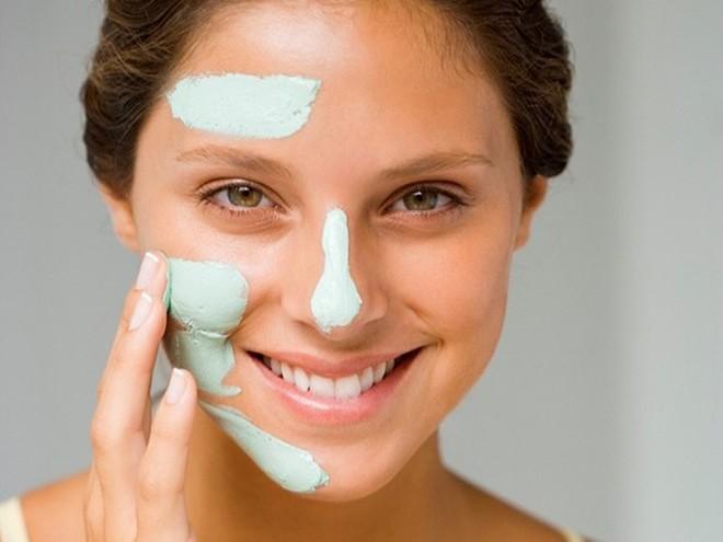 Cách trị mụn đầu đen trên mũi bằng kem đánh răng cực nhanh