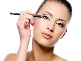 Mẹo kẻ viền mắt đẹp tự nhiên dành cho người mới cực hay