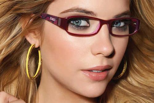 Cách trang điểm dành cho người đeo kính đẹp tự nhiên
