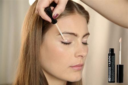 Cách trang điểm mắt không bị lem đơn giản