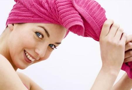 Tóc dầu nên dùng dầu gội nào giúp sạch da đầu?