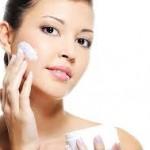 Cách chọn kem chống nắng cho da nhờn sạch mụn
