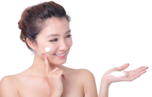 Cách dưỡng ẩm cho da mặt mùa đông da không bị khô tróc