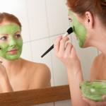 Cách làm mặt nạ trà xanh tươi giúp da mặt trắng mịn