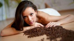 giúp tóc mọc nhanh bằng cafe