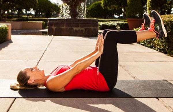 Bài tập thể dục giảm mỡ bụng dưới cho nữ eo con kiến